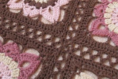 Crochet Join : Joining granny squares: chain-stitch method / crochet ideas and tips ...
