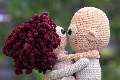 Putting Hair on Crocheted Dolls | | 266x400