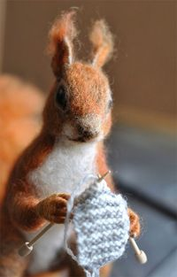 thingsimakewithstring: It's a knitting squirrel--love it!!