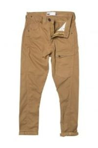 try deadrise chinos for adventurous look