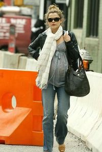 How cute is Keri Russell with a baby bump?! <3 just love!