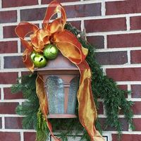 Holiday Inspired outdoor decorating