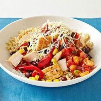 Flat Belly Foods: 400-Calorie Lunch Recipes: Baja-Style Chicken Bowl Heat 1 teaspoon olive oil in a medium skillet over medium heat. Sauté 1/2 cup thinly sliced red bell pepper, 1/4 cup frozen corn, 1/4 cup black beans, and 2 ounces diced cooked chicken ...