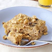 What happens when you cross oatmeal with a #breakfast bar? You get this Baked Oatmeal #Recipe | health.com