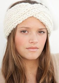 Twisted Knitted Headband. Link: http://www.ravelry.com/patterns/library/twistin-the-night-away