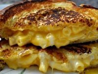 Mac & Cheese Grilled Cheese - excellent-eats.com