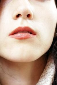 Exercises to tighten up sagging skin under your chin.