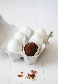 Egg Haciking-How to Bake a Brownie in an Eggshell-tremendous idea on what to do with all those eggs my chickens lay.