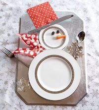 Snowman Table Setting ~ Arrange plates and silverware to look like a snowman for a festive table setting or dessert display