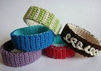 These Chunky Bangle Bracelets make great birthday presents for friends and family. Use crochet thread and a D hook for this pattern.