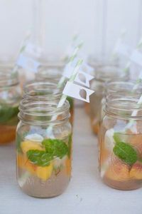 mint and peach mojitos in mason jars (Christa Elyce Photography) #wedding drinks