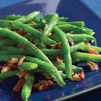 Green Beans with Bacon & Hazelnuts Recipe