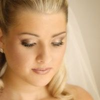 Natural wedding make-up
